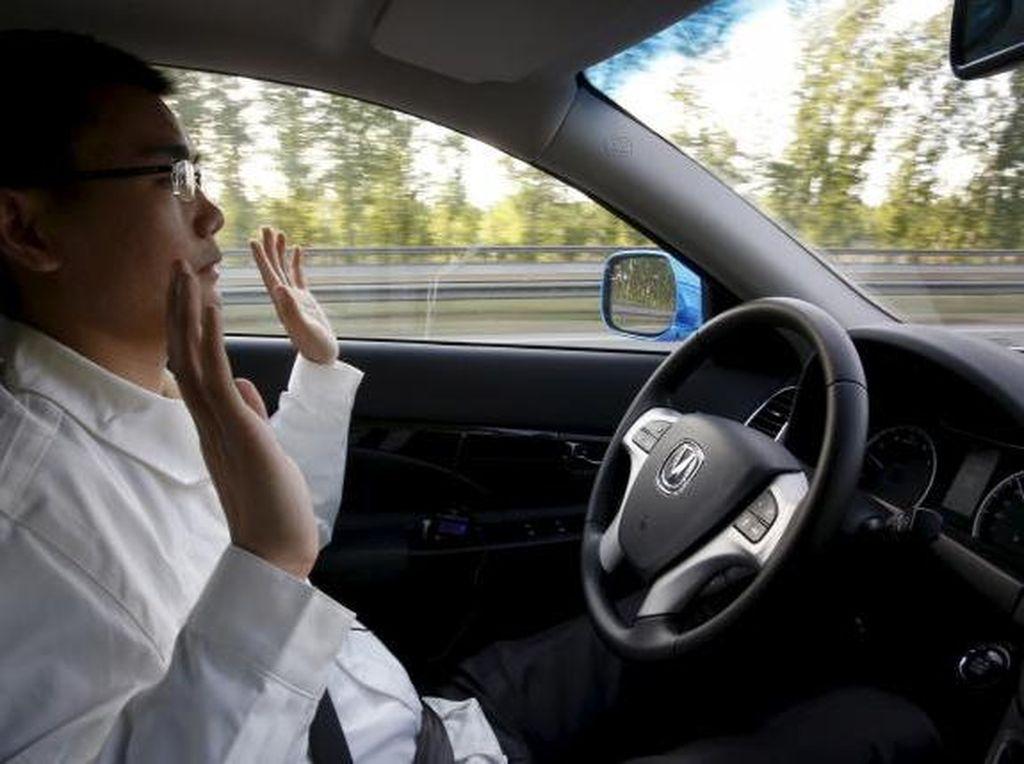 Ambisi China Salip AS & Eropa di Perlombaan Mobil Otomatis
