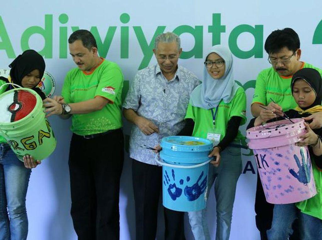 Duta Lingkungan Grup Astra Semarakkan Adiwiyata Summit
