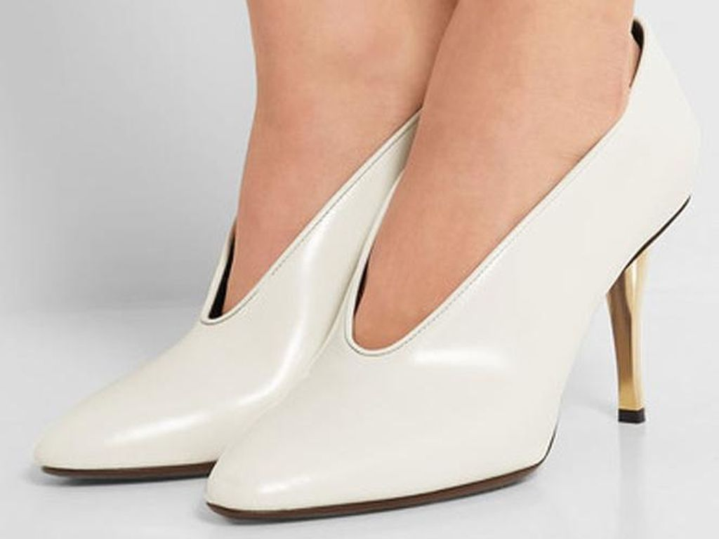 7 Trik Agar Kaki Tidak Lecet Saat Pakai High Heels yang Baru Dibeli