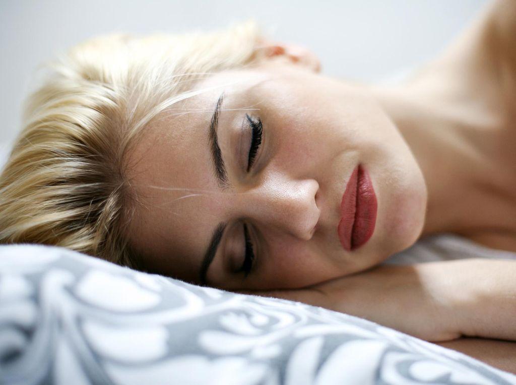Ketindihan Bikin Takut Tidur? Ini 4 Tips Mengatasi Sleep Paralysis