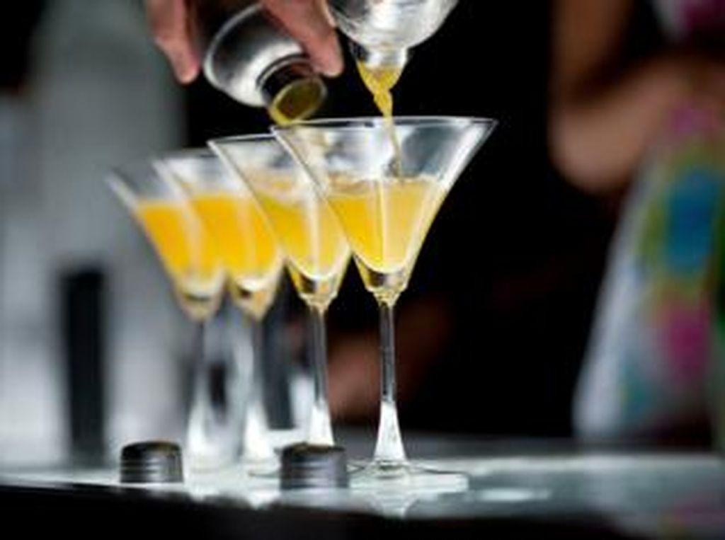 Heboh RUU Larangan Minum Alkohol, Kenapa Es Tape Tak Dianggap Miras?