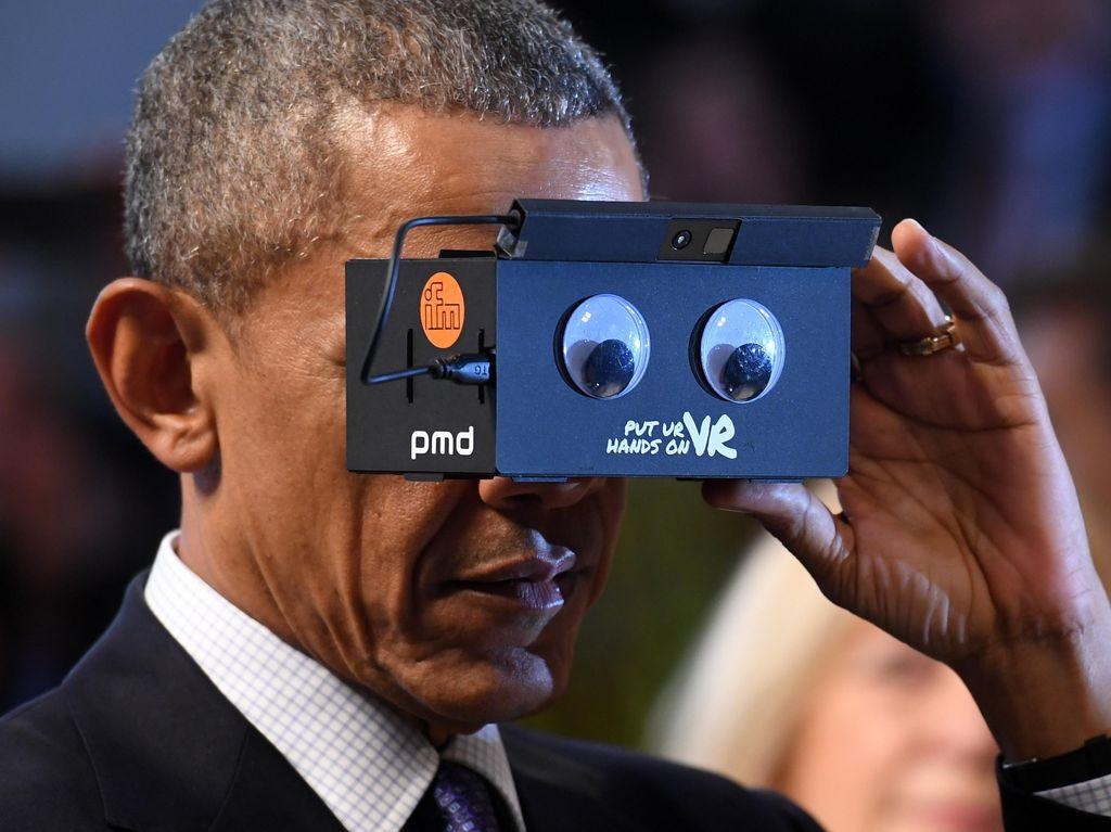 Headset VR Aneh Pikat Obama