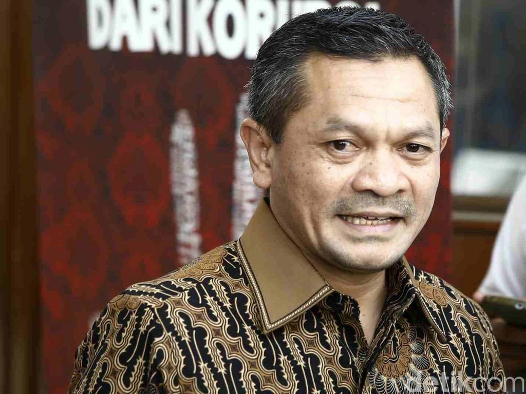 PKS Doakan Penempel Ganti Presiden di Air Zamzam Dapat Hidayah