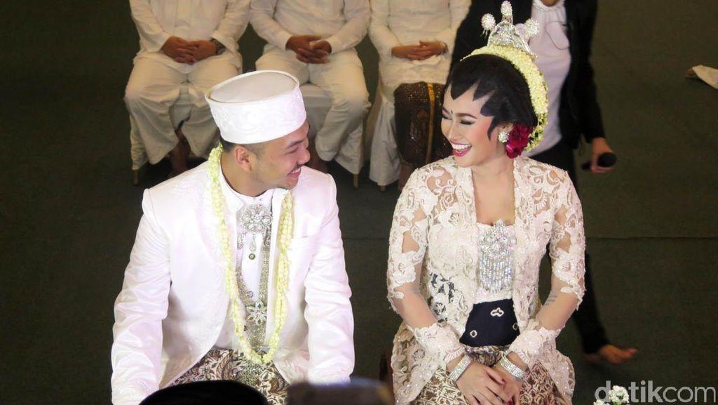 Ratu Felisha dan Ari Pujianto Akan Cerai, Intip Lagi Momen Mesra Mereka