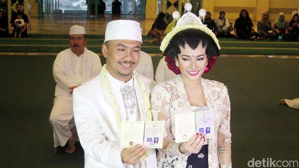 Ratu Felisha dan Ari Pujianto Resmi Menikah