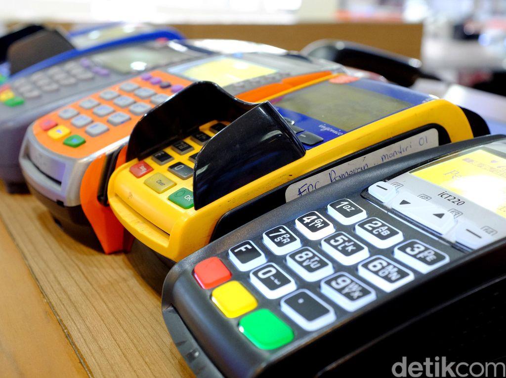 BCA Pastikan Nasabah Tak Kena Biaya Saat Bayar Pakai Debit