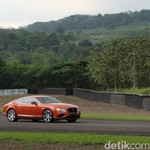 Menaklukkan Bentley Continental GT V8 S di Sirkuit Sentul