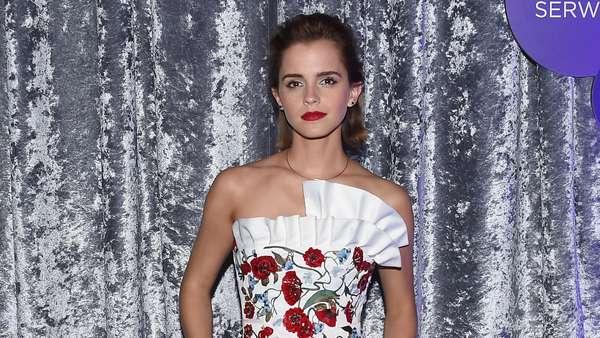 Flower Power! Emma Watson Memesona di Gedung Putih