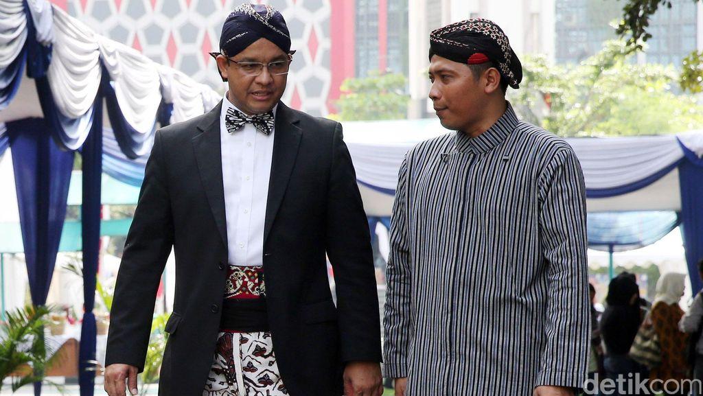 Anies Baswedan Pimpin Upacara Peringatan Hardiknas