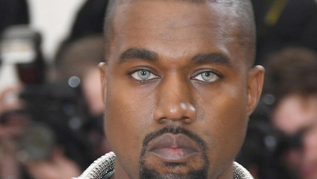 Kanye West Dirawat di RS karena Salah Minum Dosis Obat?