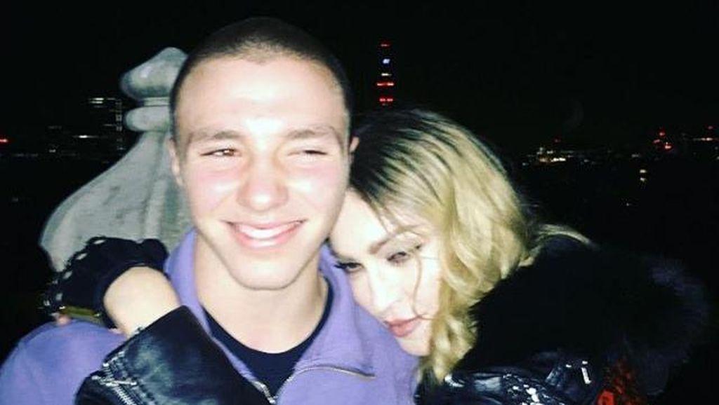 Bawa Ganja, Putra Madonna Sempat Dipolisikan di London