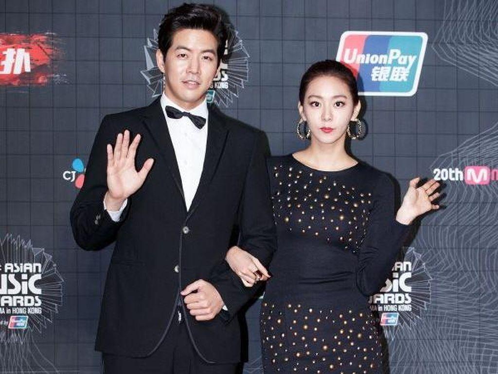 Sudah Berapa Lama Uee After School dan Lee Sang Yoon Pacaran?