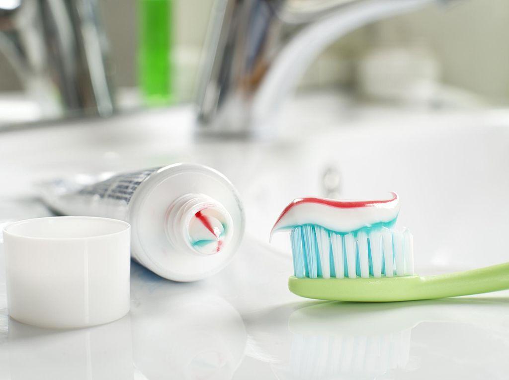 Kebiasaan Buruk Ini Banyak Dilakukan dan Bisa Merusak Gigi maupun Gusi