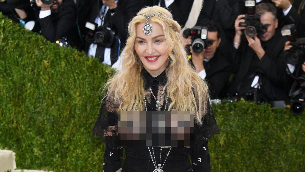 Sang Putra Dipolisikan karena Bawa Ganja, Ini Kata Madonna