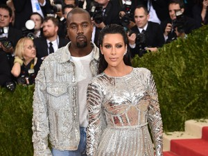 3 Tips Hubungan Selalu Mesra dari Kim Kardashian