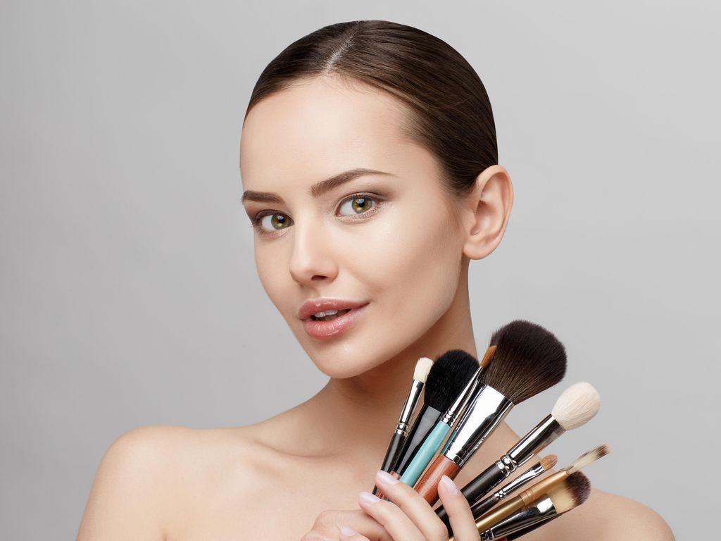 Trik Tampil Cantik dengan Makeup Natural