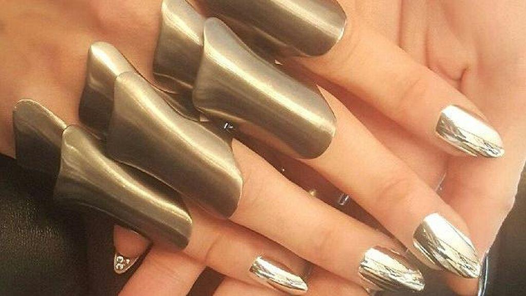 Detail Kecantikan Seleb di Met Gala, Manicure Rp 26 Juta Hingga Glitter Alis
