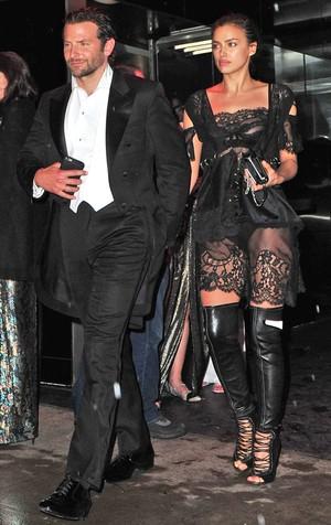 Irina Shayk dan Bradley Cooper Dikabarkan Resmi Tunangan