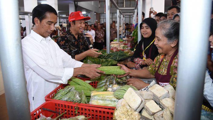 Sandi Janji Permak Pasar Tradisional, Jokowi Sudah Mulai Sejak 2015