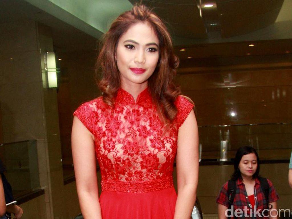 Kinaryosih Pilih Main Film Layar Lebar Ketimbang FTV