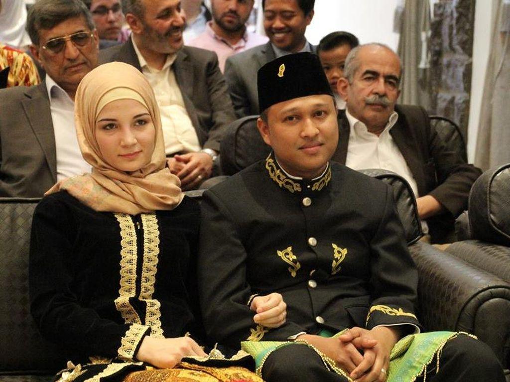 Pernikahan Syahdu Staf KBRI dan Gadis Suriah dengan Mahar Hafalan Quran Hadits