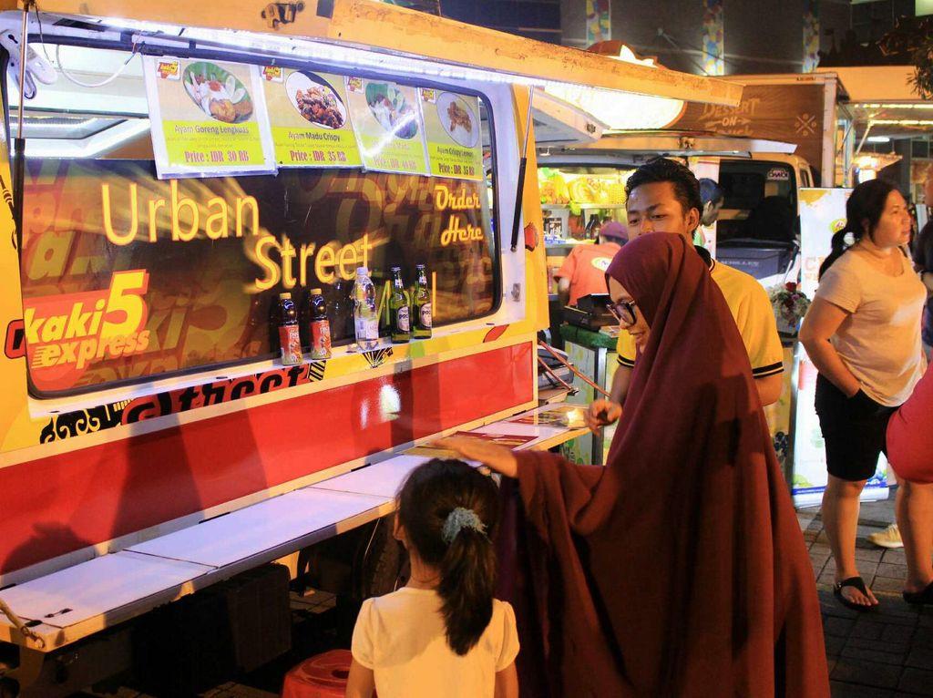 Berburu Makanan di Festival Food Truck MAG