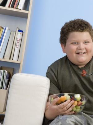 Studi: Meski Tak Lapar, Anak Bisa Makan Berlebih Gara-gara Iklan