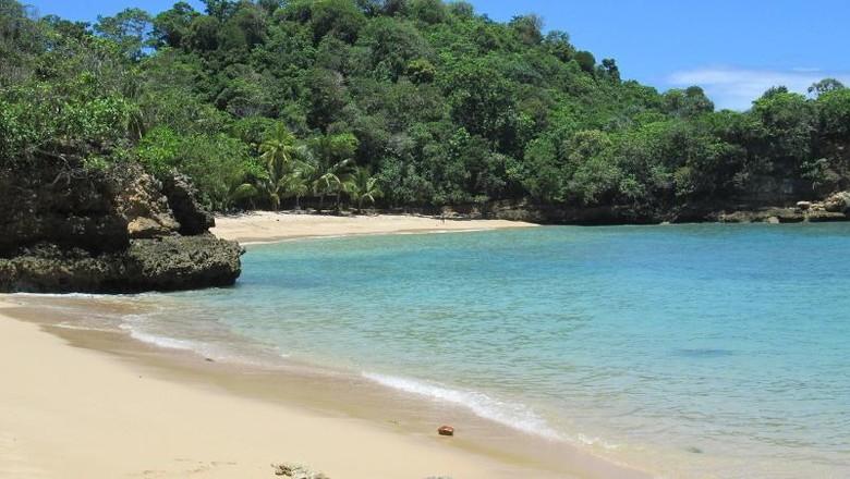 Foto: Foto: Pantai Ngliyep yang manis di Malang (Hendra Soetantyo/dTraveler)