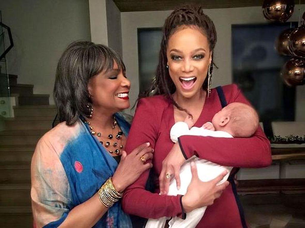 Demi Anak, Tyra Banks Ikut Kursus Memasak