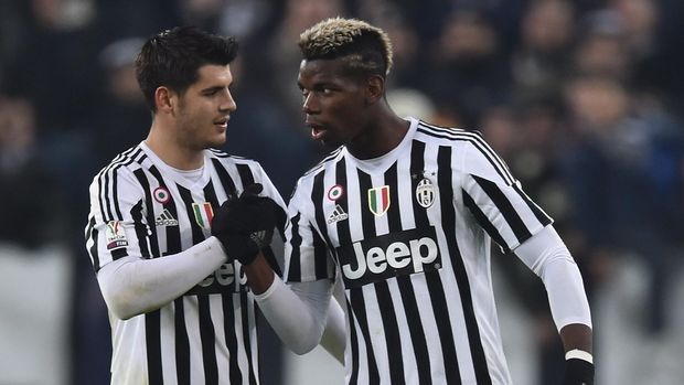 TURIN, ITALY - DECEMBER 16: Paul Pogba (R) of FC Juventus celebrates his goal with team mate Alvaro Morata during the TIM Cup match between FC Juventus and Torino FC at Juventus Arena on December 16, 2015 in Turin, Italy. (Photo by Valerio Pennicino/Getty Images)