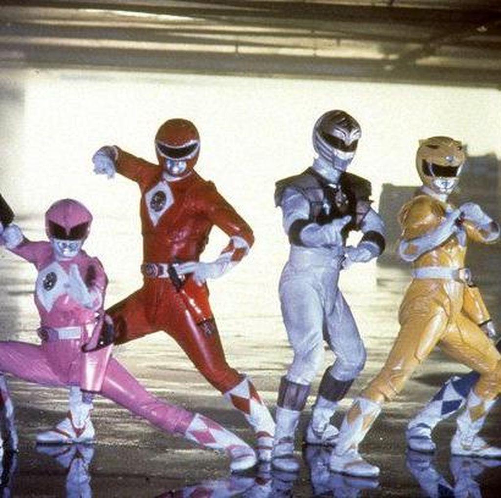 Power Rangers Kembali Beraksi