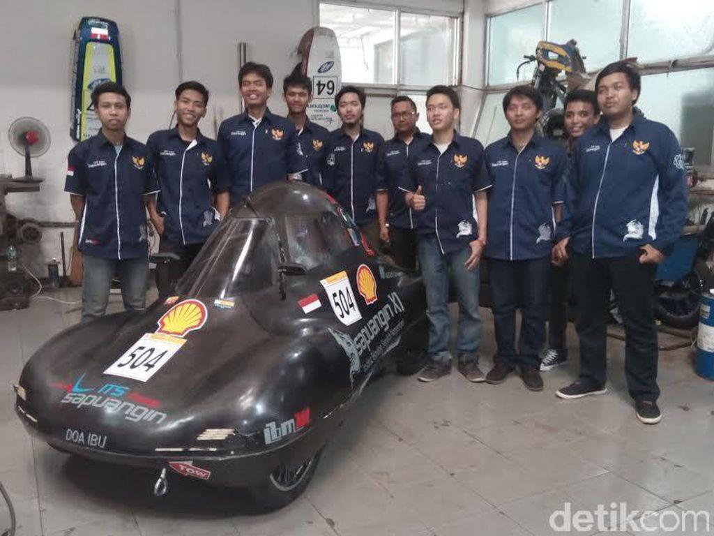 Mobil Rakitan Mahasiswa ITS Siap Berlaga di Asia