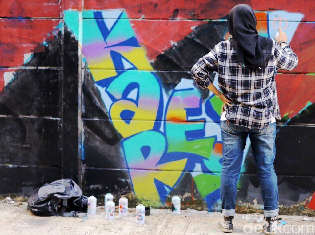 Hijab bukan Halangan buat Bomber Cewek