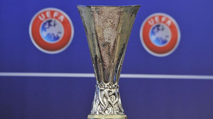 NYON, SWITZERLAND - AUGUST 08: The UEFA Europa League trophy is displayed during the 2014/15 UEFA Europa League Play-off round draw at the UEFA headquarters, The House of European Football on August 8, 2014 in Nyon, Switzerland. (Photo by Harold Cunningham/Getty Images)