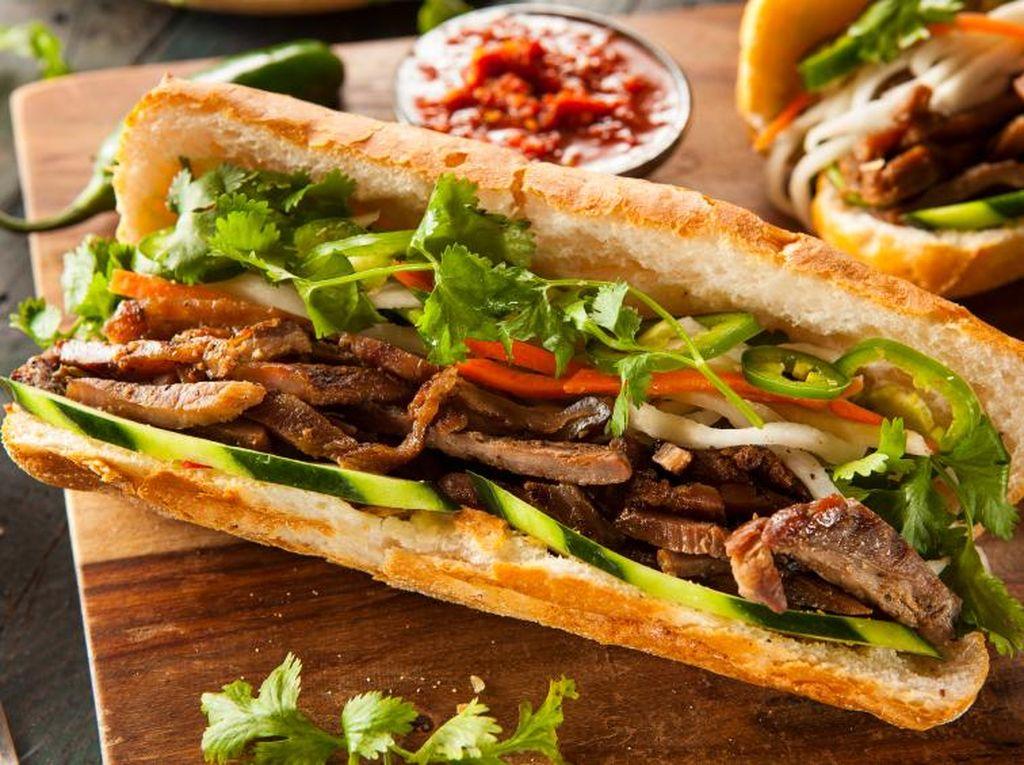 Mau Coba Banh Mi yang Enak di 5 Restoran Vietnam Ini?