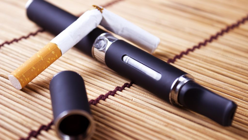 Studi: Remaja yang Doyan Vaping Bisa Jadi Perokok Berat Saat Dewasa