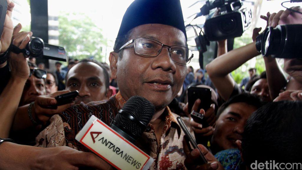 Mahfud MD Sambangi KPK