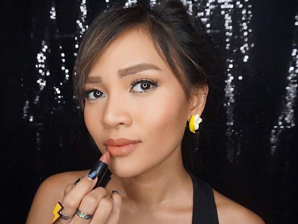 Vlogger Indonesia Dandan Maksimal Sambil Kontraksi Jelang Lahiran
