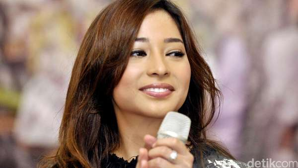Aih, Nikita Willy Happy Banget
