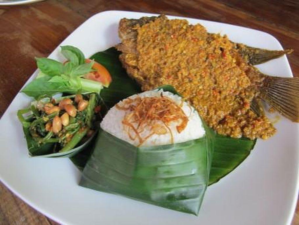 Jangan Lewatkan Tempat Makan Seafood Enak Ini Saat Ada di Bali