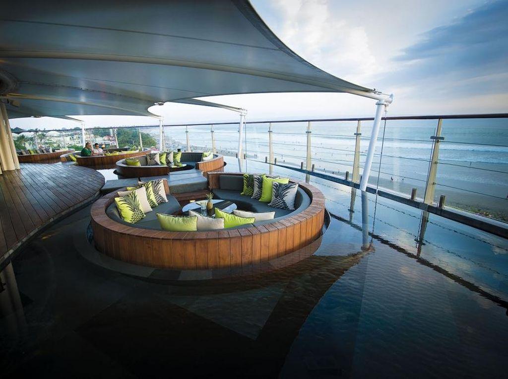 Ini Dia Bar Unik di Bali dengan Panorama Cantik yang Patut Disinggahi