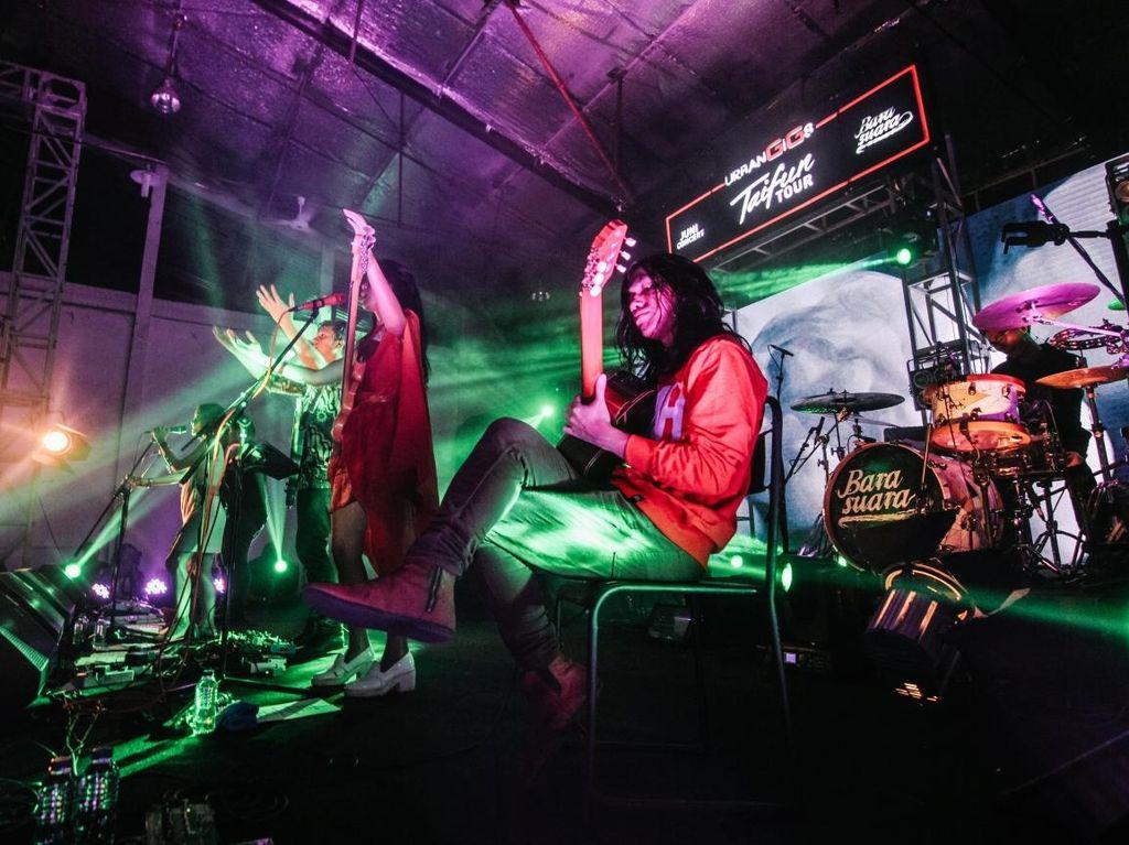 Jakarta Tutup Barasuara Taifun Tour 2016