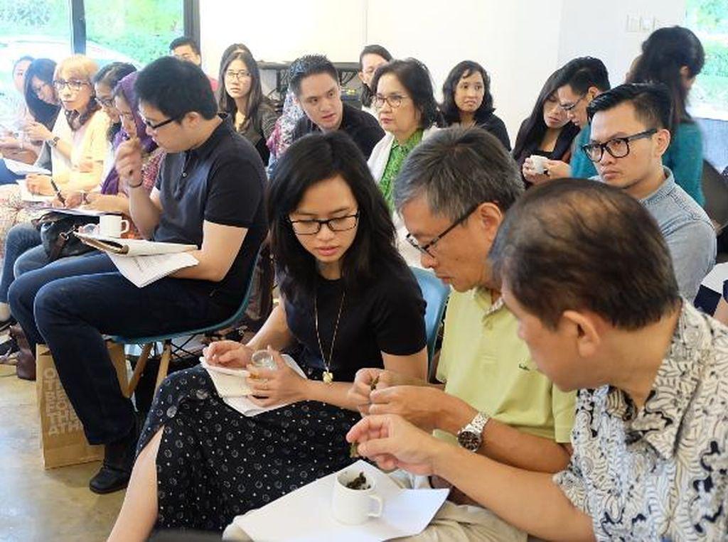 Ragam dan Keunikan Teh Indonesia Diungkap oleh Ahli Teh