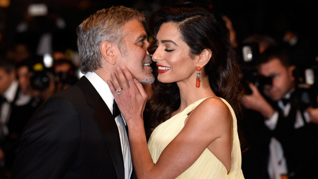 Foto: Kemesraan George Clooney & Istri di Karpet Merah Cannes