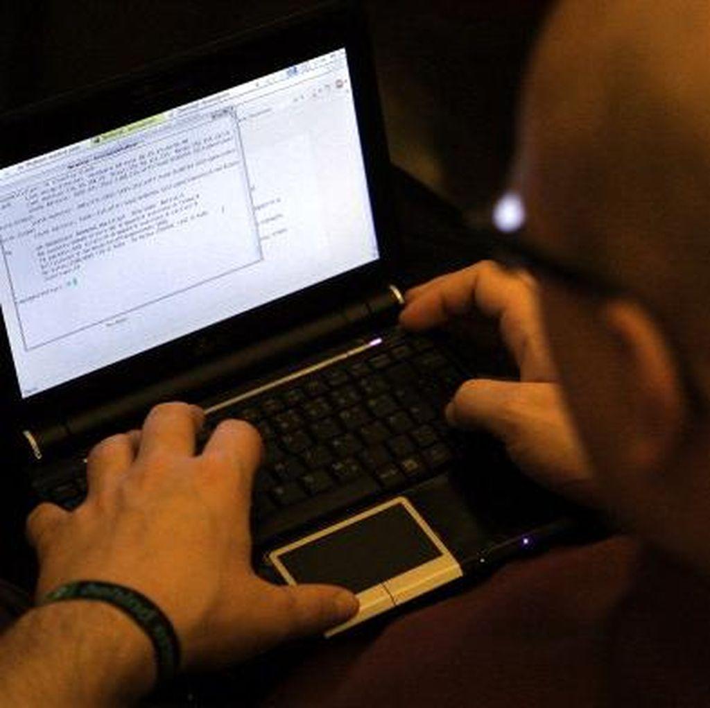 Informasi Keberadaan Hacker Ini Dihargai Rp 40,3 Miliar!