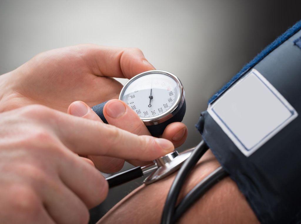 Ini Sebabnya Penderita Hipertensi Tak Boleh Sering Konsumsi Makanan Olahan