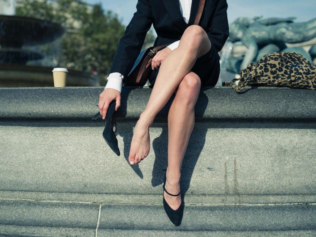 Gara-gara Pakai Heels Baru, Tumit Model Ini Melepuh dan Hampir Diamputasi