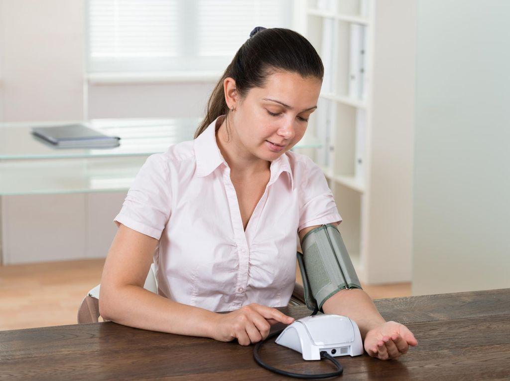 6 Tips Agar Pemeriksaan Tensi di Rumah Lebih Akurat