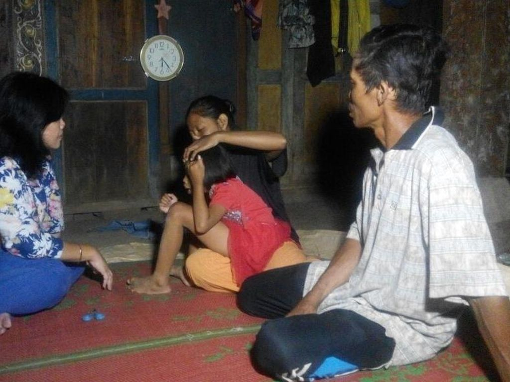 Anggota Komnas HAM Bebaskan Bocah Perempuan di Ponorogo yang Dipasung