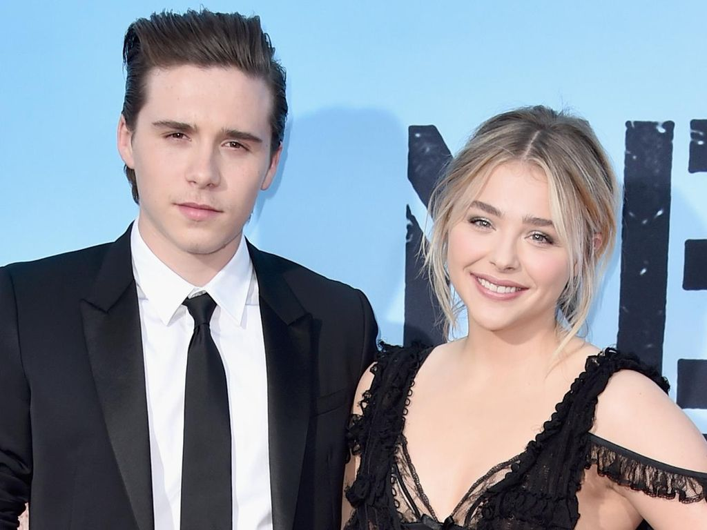 So Sweet! Brooklyn Beckham Cium Mesra Chloe Moretz